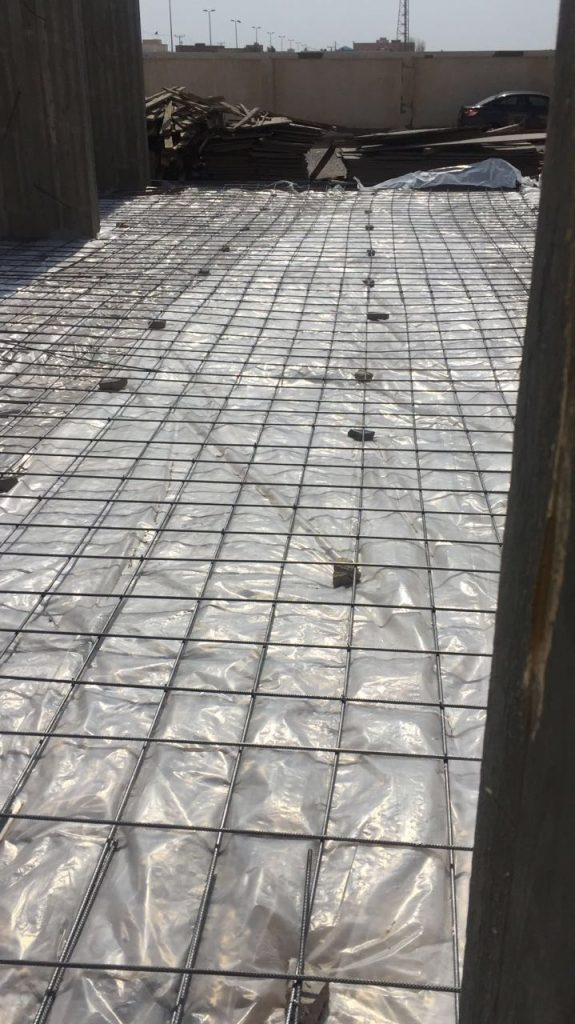 عمل فرشة صبة لأرضية الطابق الأرضي
